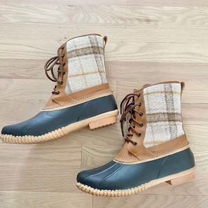 Lands end duck boots size 9.5
